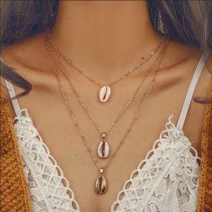 Three layered seashell necklace